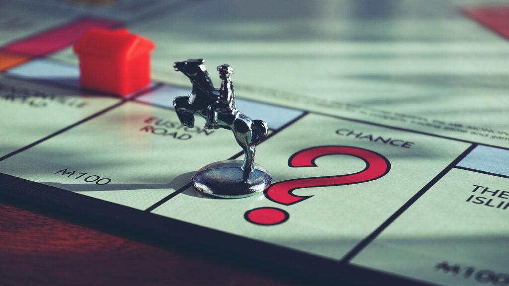 Gra planszowa Monopoly (fot. Suzy Hazelwood / Pexels)